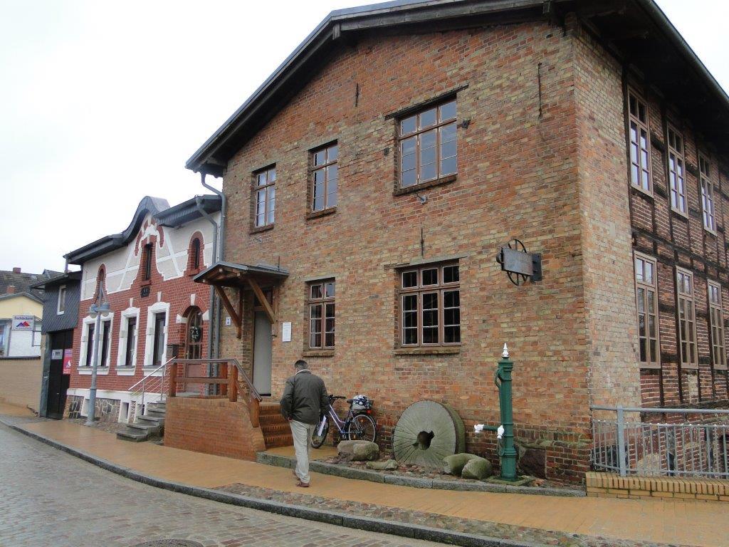 Rekonstruktion der historischen Wassermühle Lassan